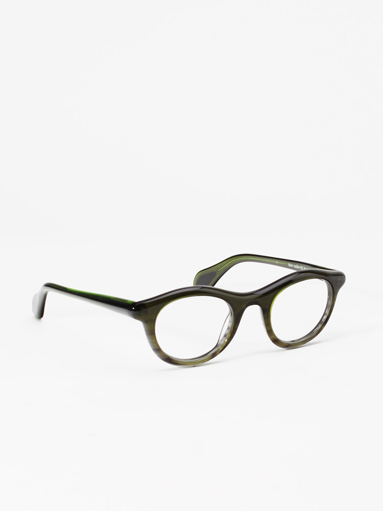 Theo Mille+02 004 green brown gradient